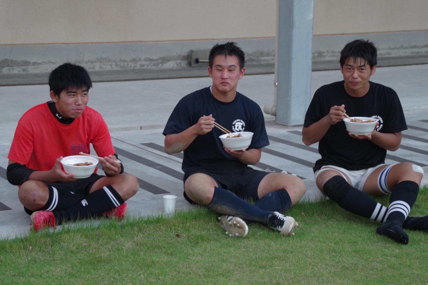 http://kokura-rugby.sakura.ne.jp/181008_174238_0002.jpg