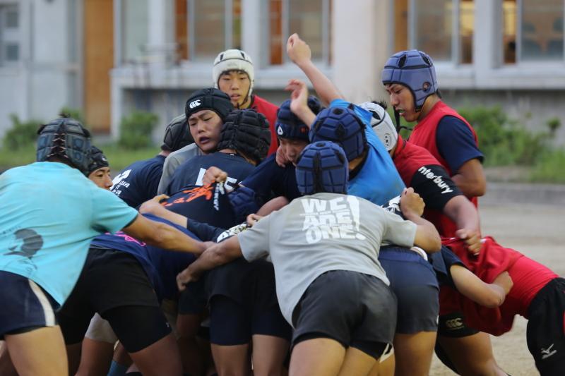 http://kokura-rugby.sakura.ne.jp/2014.5.29-8.JPG